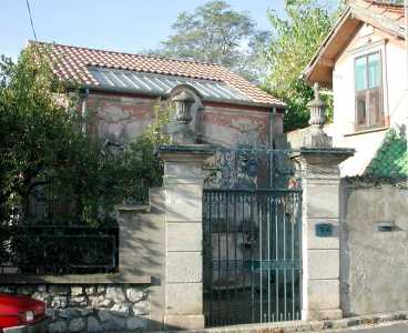 Portail d 39 entr e rue adjacente for Jardin villa antonine beziers