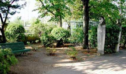 Jardin d 39 injalbert for Jardin villa antonine beziers