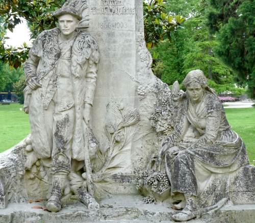 Sculptures dans les lieux publics rispal for Jardin publiques